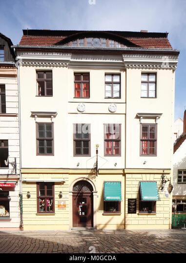 DEU, Deutschland, Berlin: historische Hausfassade im Berliner Nikolaiviertel ICH DEU, Deutschland, Berlin: Berliner Stockbild