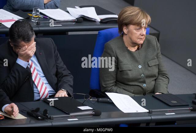 Berlin, Deutschland. 22 Jan, 2018. Bundeskanzlerin Angela Merkel (CDU) und Außenminister Sigmar Gabriel (SPD) Stockbild