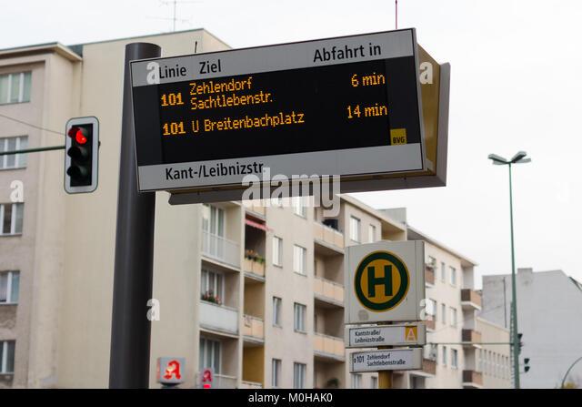 Bushaltestelle Kantstraße - Leibnizstraße 12 20141110 Stockbild