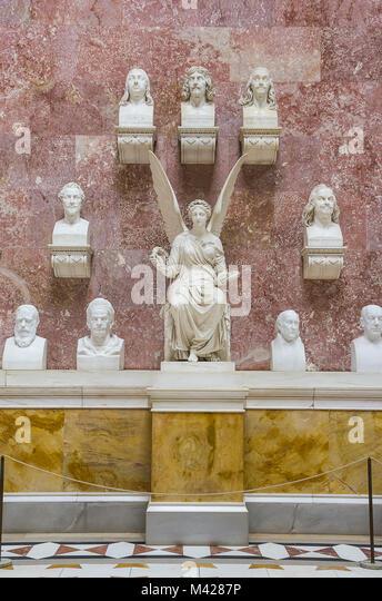 Büsten von berühmten Deutschen in der Ruhmeshalle Walhalla in Donaustauf in der Nähe von Regensburg, Stockbild