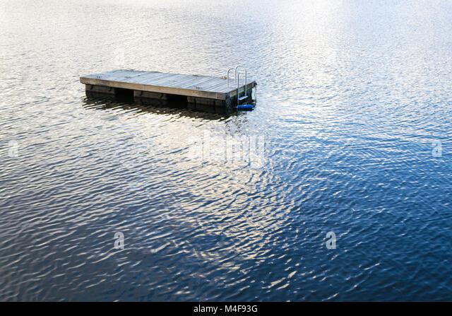 Schwimmen Schwimmen floss in Greenwood Lake (NY) Stockbild