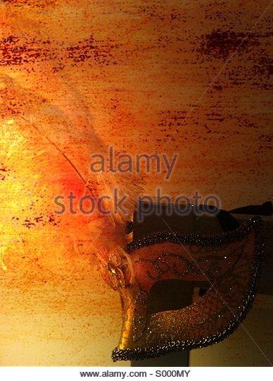 Hängende rosa venezianischen Maske Stockbild