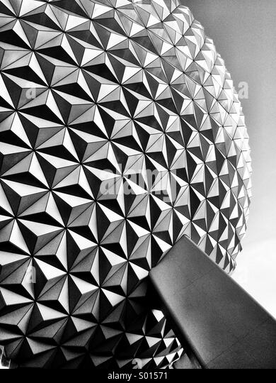 """Außerhalb der """"Raumschiff Erde"""" Fahrt in Epcot in Disney World, Orlando, Florida, USA. Stockbild"""