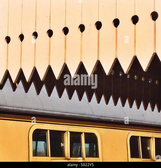 Abstrakte Formen auf Bahnsteig Erbe Stockbild