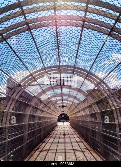 8th Avenue Fußgänger Brücke über die Aussicht auf Parkway in Brooklyn, 18th Street in Windsor Stockbild