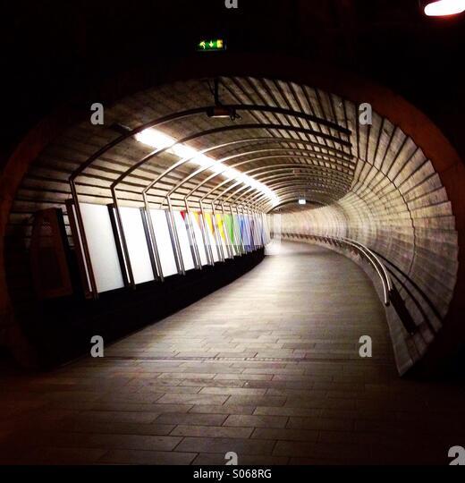 Tunnel unterirdischen Verbindungsgang Stockbild