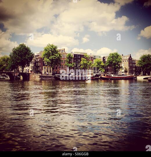 Grachtenhäuser in Amsterdam, Niederlande Stockbild