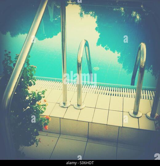 Pool-Eingang im Wasser Stockbild