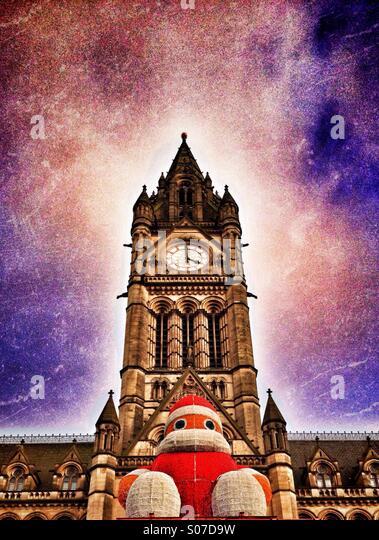 Santa auf Manchester Town Hall am Albert Square Stockbild