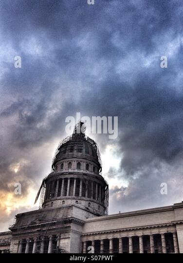 Kapitol unter Gerüstbau, Havanna, Kuba. Stockbild