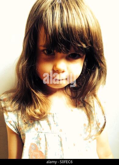 Porträt des 3-jährigen Mädchen Stockbild