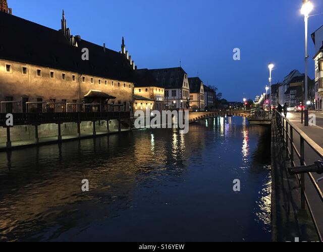 Nacht-Straßburg Stockbild