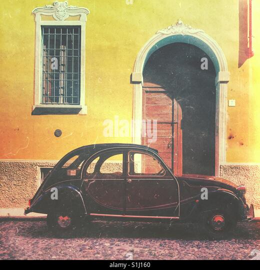 Klassische Citroen 2cv Jahrgang Französisch Auto Stockbild