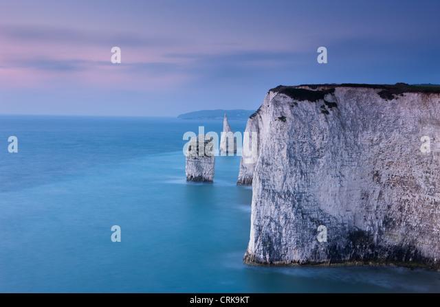 Los acantilados blancos en Studland, Isla de Purbeck, la Costa Jurásica, en Dorset, Inglaterra, Reino Unido. Imagen De Stock