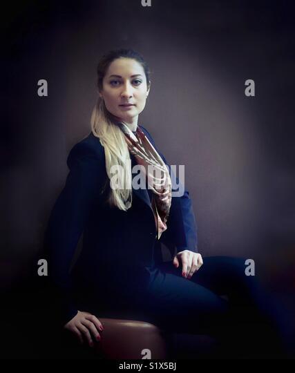 Retrato de una mujer joven. Imagen De Stock
