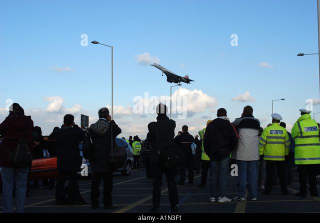 Dernier vol commercial concorde arrivant à l'aéroport d'Heathrow Photo Stock