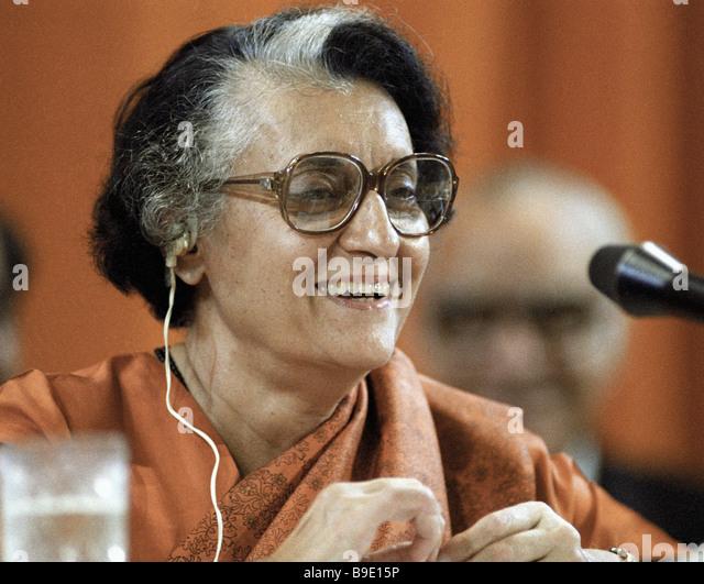 Le premier ministre Indira Gandhi en donnant une interview lors de sa visite à l'Union Soviétique Photo Stock