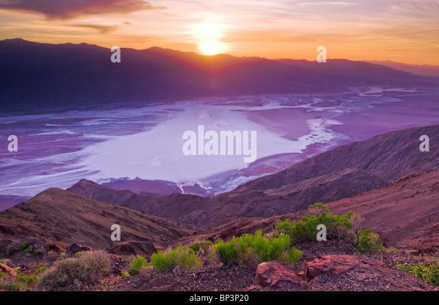 Coucher de soleil sur la vallée de la Mort de Dante's view, Death Valley National Park. Californie Photo Stock