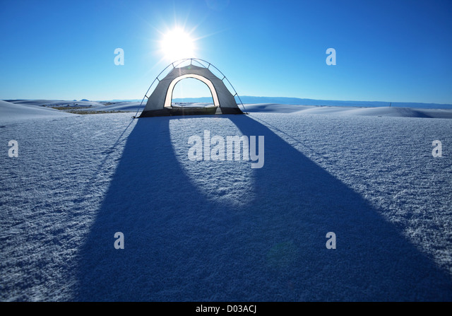 Tente dans dunes blanches, USA Photo Stock