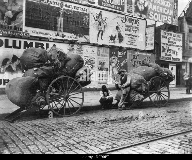 Deux chariots de chiffon, New York City, vers 1896 Photo Stock