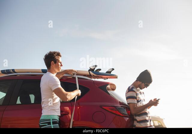Les amis on road trip Photo Stock