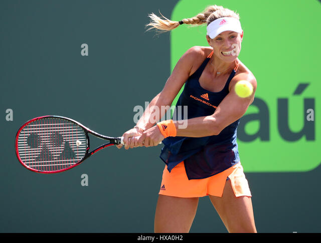 Key Biscayne, Floride, USA. Mar 26, 2017. Angelique Kerber, de l'Allemagne, en action pendant son match gagnant Photo Stock
