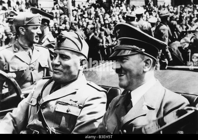 Hitler e Mussolini in un auto, 1940. Immagini Stock