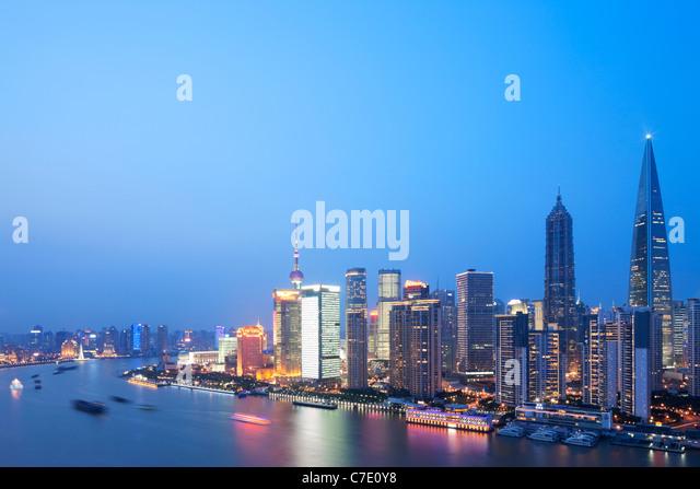 Pudong ao anoitecer, Xangai, China Imagens de Stock