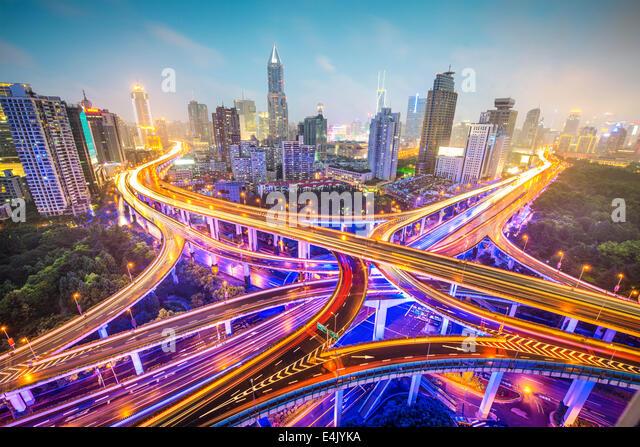 Xangai, China vista aérea sobre auto-estradas. Imagens de Stock