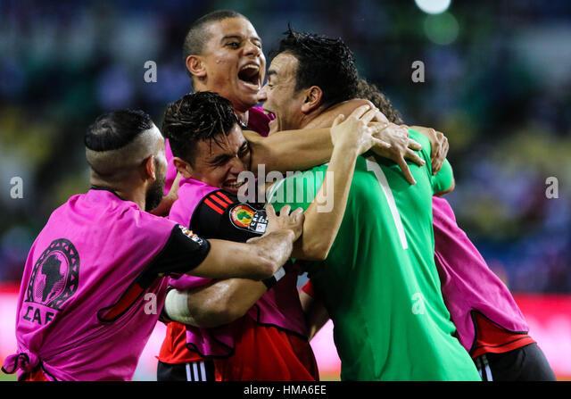 Libreville - Gabão. 1 de Fev, 2017. Os jogadores do Egito celebrar depois de ganhar uma correspondência Imagens de Stock
